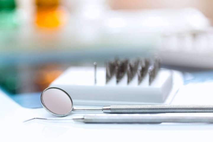Zahnarzt Berlin Prophylaxe Vorsorge-Untersuchung